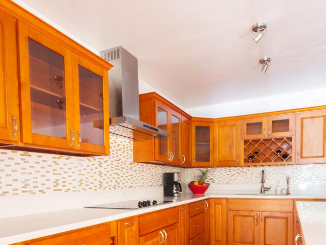 Kitchen_Cabinets_02-crop